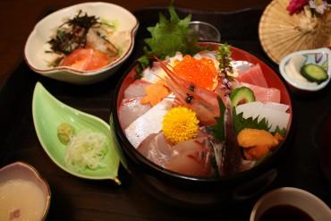笑顔の海鮮丼1